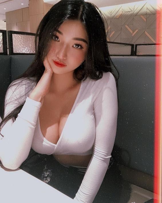 hotgirl-duyen-hip-1