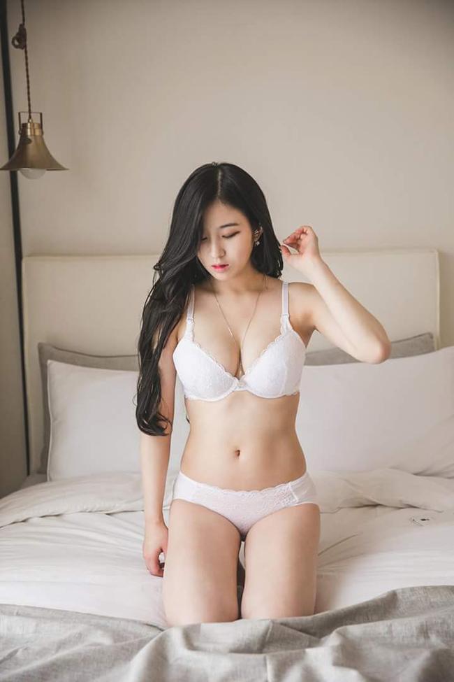 my-nhan-nguc-dep-nhat-xu-han-so-huu-vong-1-gan-100-cm-1