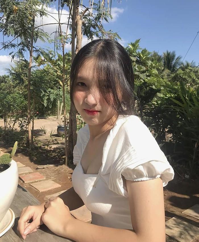 dan-hot-girl-viet-2k4-lam-loan-tik-tok-bang-loat-tai-khoan-trieu-follow-Hinh-10