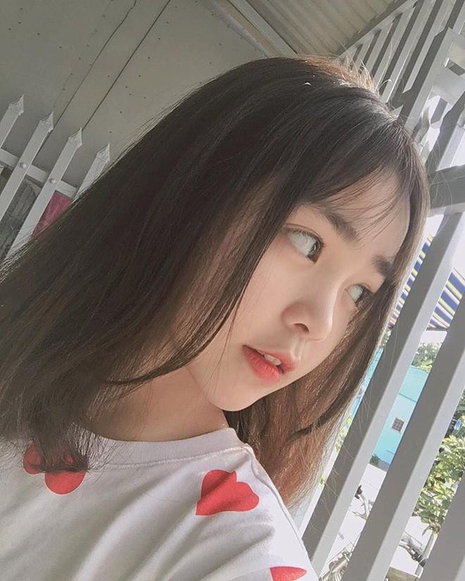 dan-hot-girl-viet-2k4-lam-loan-tik-tok-bang-loat-tai-khoan-trieu-follow-Hinh-8