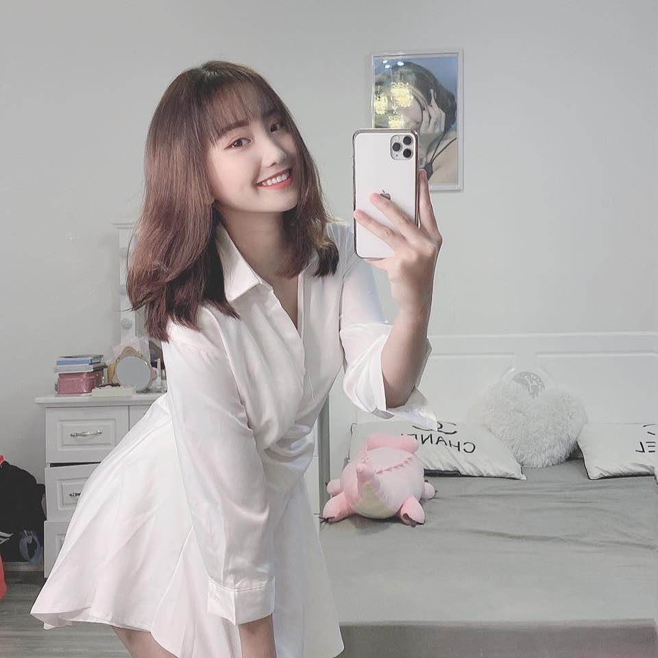 dan-hot-girl-viet-2k4-lam-loan-tik-tok-bang-loat-tai-khoan-trieu-follow